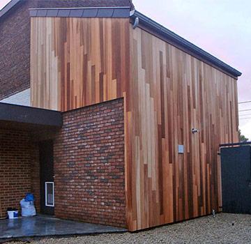 Монтаж деревянных фасадов